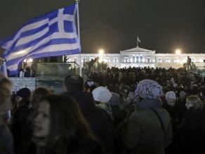 Grecia: Miles de personas se manifiestan en apoyo del Gobierno