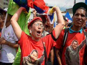 Miles de chavistas marchan en Caracas por la paz y la justicia