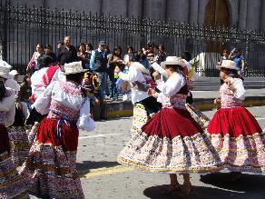 Corso de Flores se realizará mañana por fiestas de carnaval en Arequipa