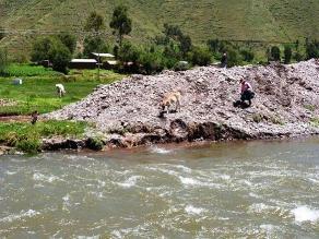 Cusco: crecida del río Vilcanota amenaza con arrasar puente Chaullay