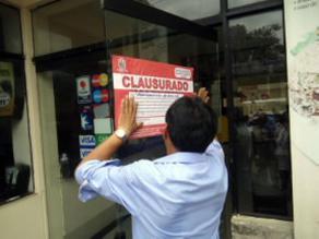 Arequipa: en operativo clausuran lavadero de carros en Jacobo Hunter