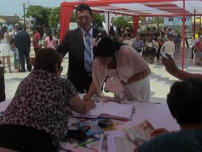 Chiclayo: 40 parejas se dieron el