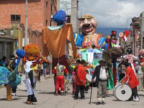Cajamarca: miles disfrutan del Ño Carnavalón, con agua y pintura