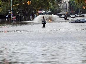 Cinco muertos, cuatro desaparecidos y mil evacuados por lluvias en Argentina