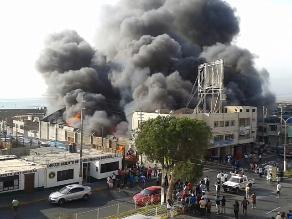 Moquegua: incendio consumió centro comercial de Ilo