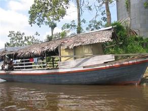 Bagua: bote con cargamento de abarrotes se hunde en río Marañón