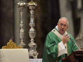 Papa pide a la comunidad internacional