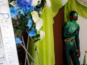 Puerto Rico: velan a hombre vestido como el personaje de Linterna Verde