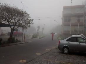 Densa neblina cubre la ciudad de Arequipa