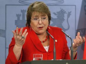 Bachelet dice que se enteró por la prensa de millonario negocio de su hijo
