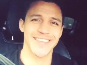 Alexis Sánchez sorprende a sus fanáticos cantando como Romeo Santos