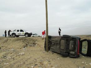 La Libertad: cinco heridos deja despiste y vuelco de auto en Paiján