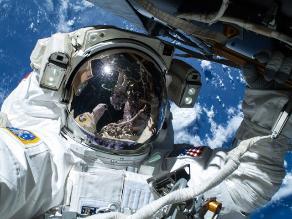 Astronautas y sus selfies desde el espacio