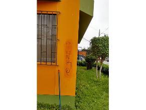 Pintas en viviendas alertan robos en San Miguel