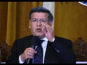 César Acuña se presenta ante la comisión de Fiscalización del Congreso