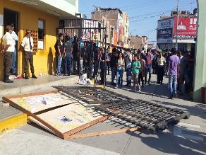 Abancay: población exige que desalojen a alumnos que toman universidad