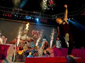 Iron Maiden pospone nuevo álbum hasta recuperación de Bruce Dickinson