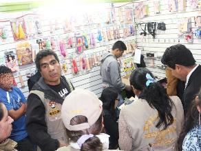 Huancayo: intervienen a menor de edad que atendía en sex shop