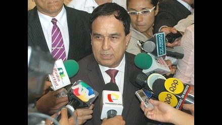 Otárola: denuncia sobre contrataciones en Cofopri