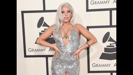 Lady Gaga mostró de más por problemas con su vestuario