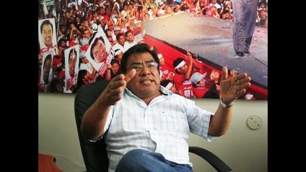 Congresista Javier Velásquez niega vínculos con Beto Torres