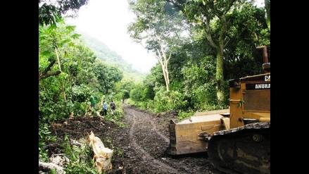 Pozuzo: alcalde pide apoyo con maquinaria pesada para limpieza de vías