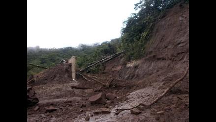 Amazonas: rescatan los cuerpos de las víctimas de derrumbe en carretera