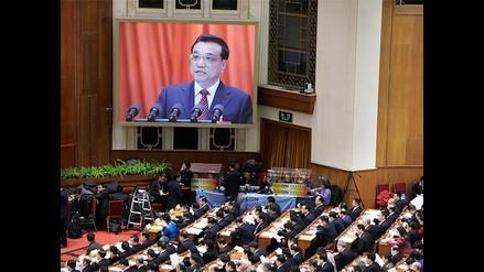 China anuncia mayor gasto y meta de crecimiento más baja