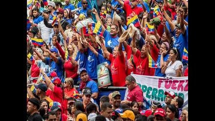 Miles de venezolanos recuerdan a Chávez en el Cuartel de la Montaña