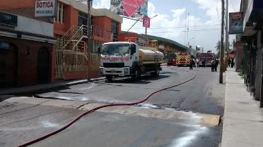 Arequipa: derrame de combustible causa alarma en Cayma