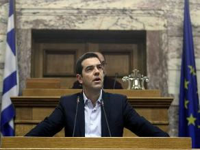 Tsipras responde enérgico a UE por criticar ley para pobres
