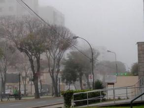 Lima amaneció con intensa neblina