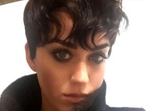 Katy Perry se transformó en Kris Jenner