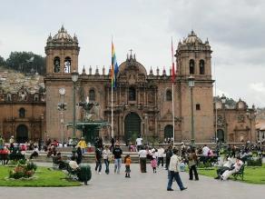 Realizan misa por Jueves Santo en la catedral del Cusco