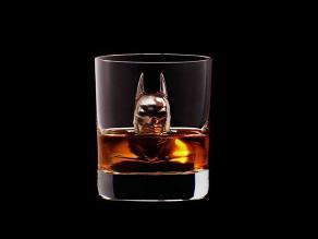 Facebook: ¿Te animarías a beber whisky en estos vasos?