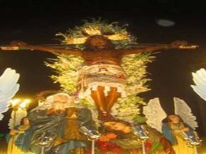 Iqueños fortalecen su fe al Señor de Luren en Semana Santa
