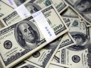 Dólar cae tras desalentador reporte de empleo de EE.UU.