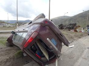 Ayacucho: un muerto y 5 heridos deja despiste y vuelco de combi