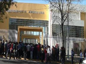 Arequipa: colegio emblemático ya presenta daños en menos de un año en función