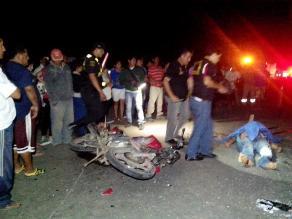 Trujillo: 2 muertos deja choque frontal entre motocicleta y combi
