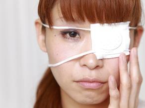 Beso japonés: peligrosa moda que causa conjuntivitis