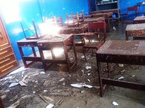 Moche: árbol cae y rompe parte del techo de colegio