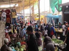 Piura: municipio recupera espacios públicos en el mercado central