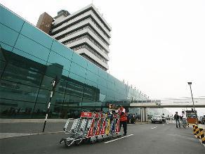 Denuncian robo de gasolina de avión en el aeropuerto Jorge Chávez