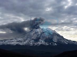 Moquegua: volcán Ubinas registró dos nuevas explosiones