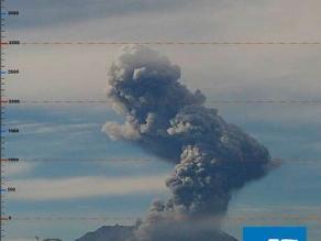 Volcán Ubinas registra tercera explosión