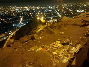 Denuncian acumulación de basura en Cerro San Cristóbal