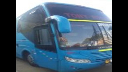 Chiclayo: bus de Tony Rosado deja sin luz a ferreñafanos