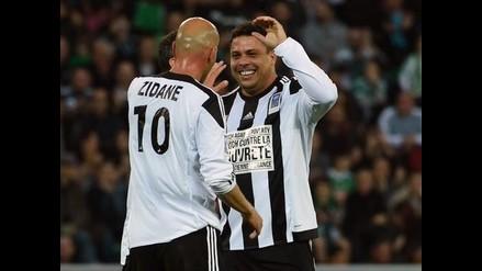 Ronaldo anotó hat-trick teniendo como socio a Zidane en partido benéfico