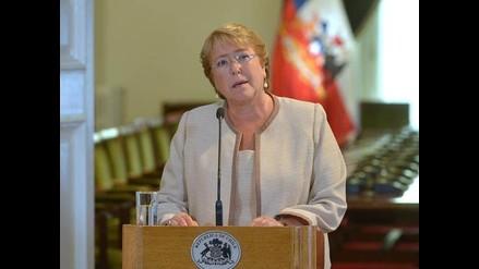 Bachelet: Chile sufre